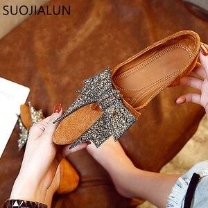 Image 4 - SUOJIALUN kadın düz 2019 zarif moda kadın düz bale ayakkabıları Bling kristal papyon sivri burun daireler ayakkabı bayan parlak düz