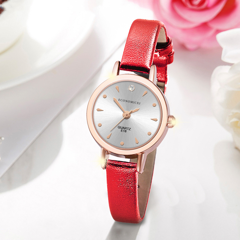 Simple Luxury Exquisite Watch Diamond Retro Pattern Classic Quartz Casual Women Gold Leather Strap Ladies WristWatch