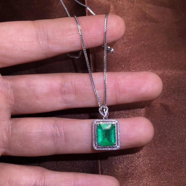 Fine Jewelry Certificate Real 18K White Gold AU750 Natural Green Emerald 2.16ct Gemstones Pendants for Women Fine Necklace