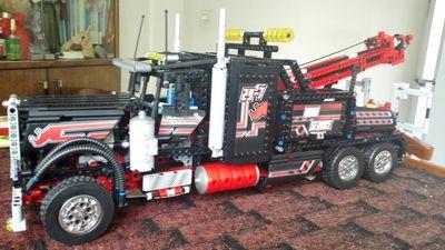 New LEPINS 1877Pcs Technic Series Pneumatic Tow Truck Model Building Kits Blocks Bricks Figures Toys Gift цена и фото
