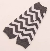 2015 1 pair cute baby leg warmers for girls cotton Chevron striped leg socks child knee