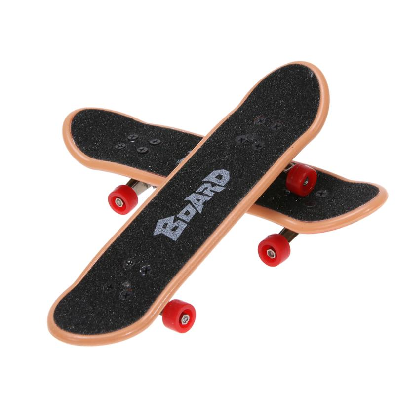 2Pcs Mini Finger Skateboard with 7Pcs Wrench Screws Tool Fun Table Game Finger Skating Board Toy for Kids Gifts