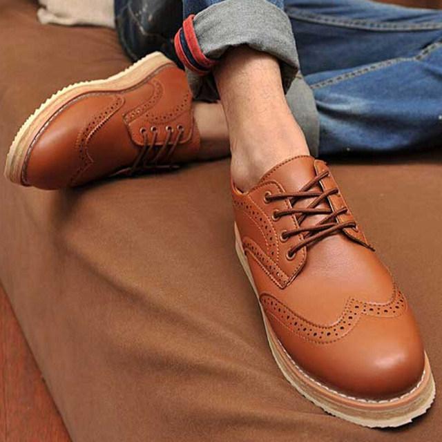 Nuevo Cordón de La Manera Zapato con una Sola Zapatos Oxford Hueco Señaló zapatos de tacón Bajo Zapatos Para Hombres Casual Plus tamaño 39-47