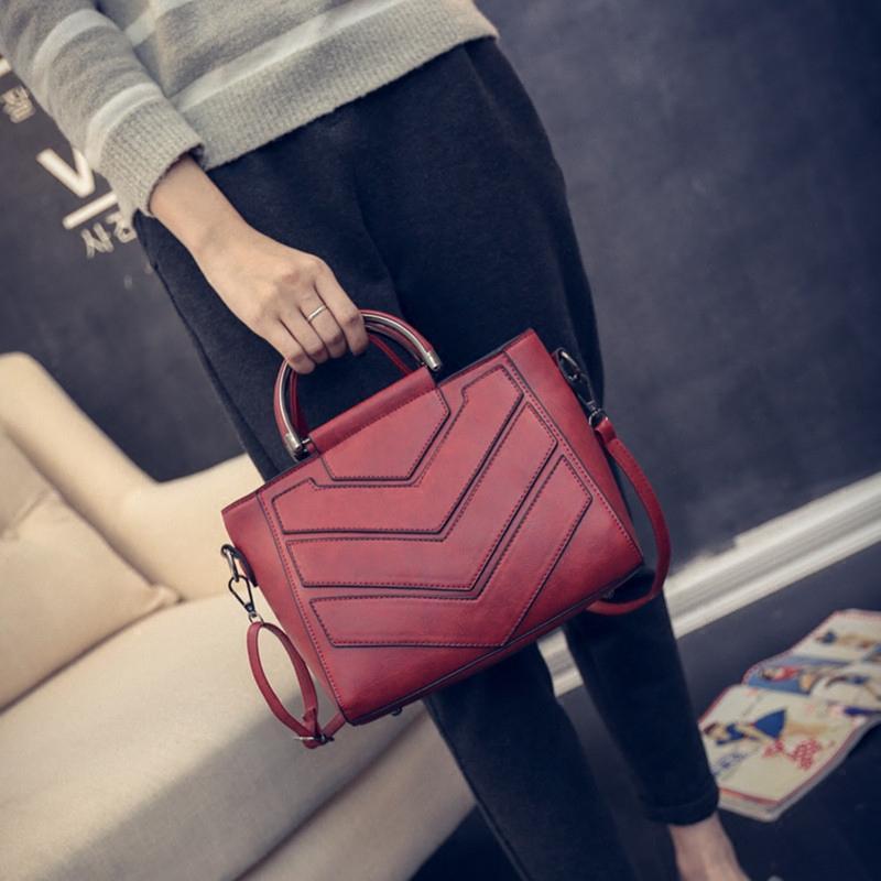 Female bag 2019 new fashion all-match portable Satchel Bag simple bag lady killer bangalor