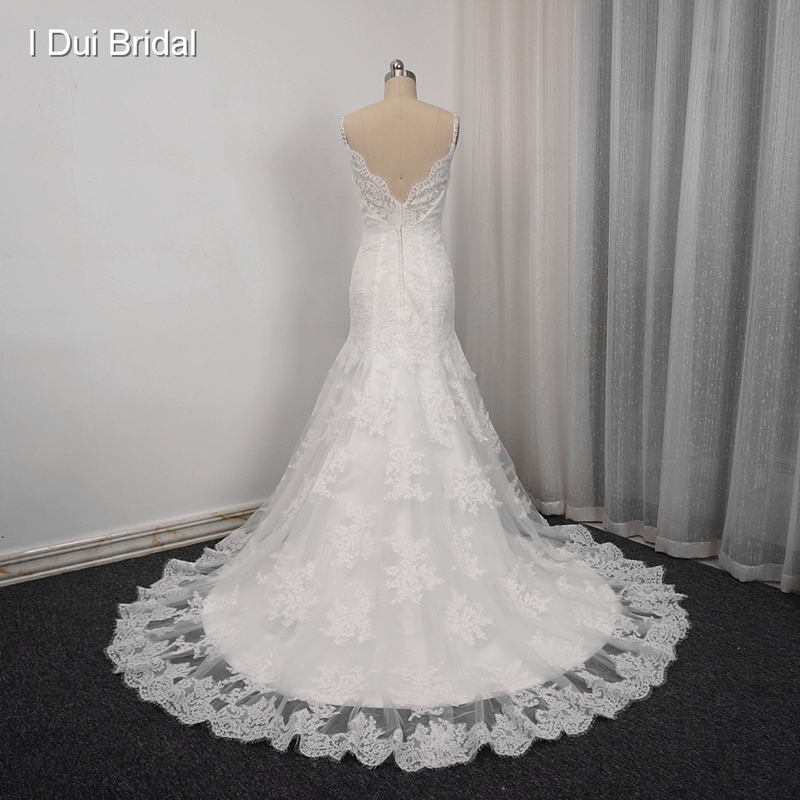 Spaghetti Strap Sheath Wedding Dresses With Lace Appliques Beaded Elegant Bridal Gown