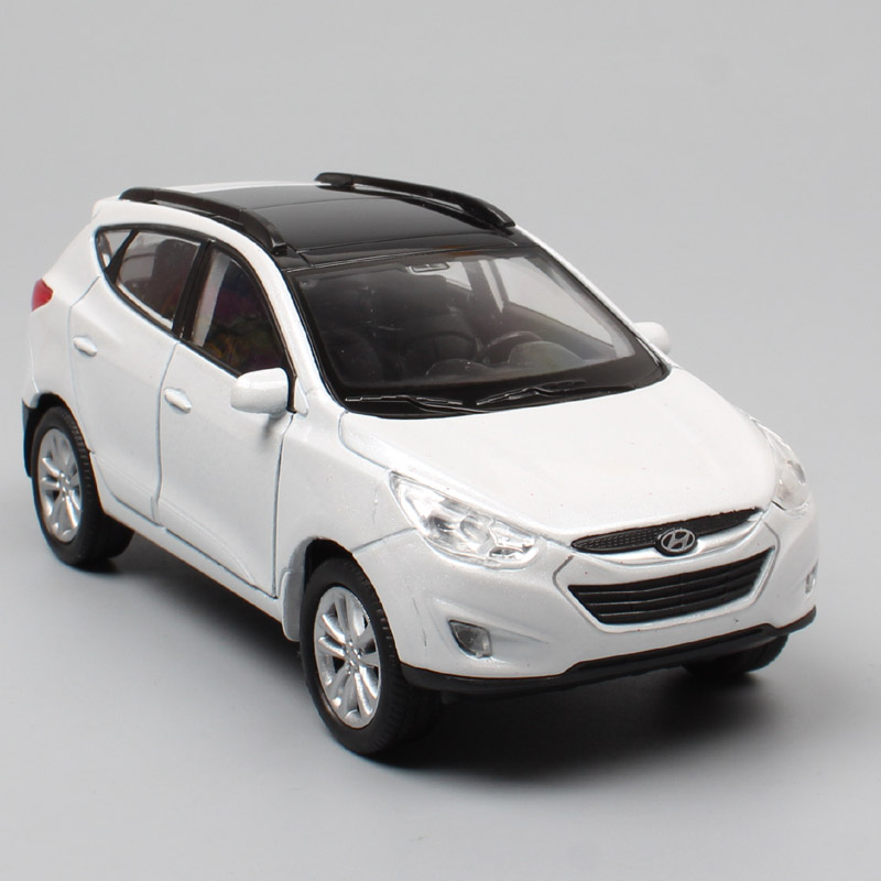1/36 Scale Mini Hyundai Tucson IX Crossover SUV Cars Vehicles & Diecast Pull Back Welly Miniature Models Cars Toys For Boys Game