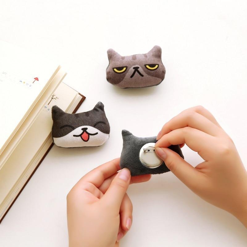 30 pcs SAN X anime Neko Atsume Kutusita Nyanko cat 3D pin brooch plush doll toys