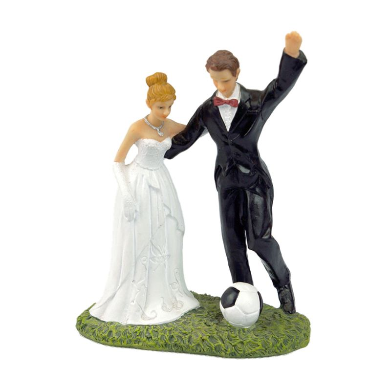 1 white + black resin bride groom newly married soccer fans decorated ornaments groom bride doll decoration size: 13*6*15.5cm