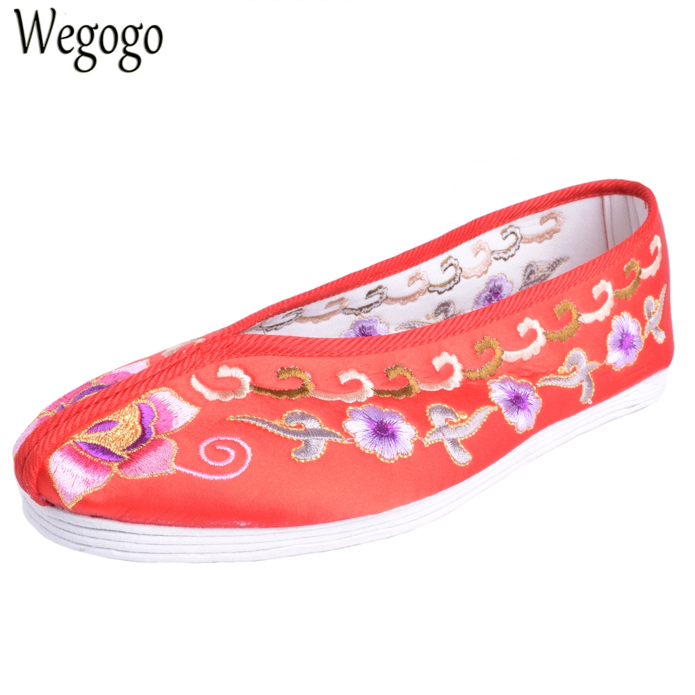 Vintage Embroideried Women Flats Shoes Chinese Bride Wedding Old Beijing Satin National Ethnic Soft Dance Single Ballet Shoes autumn new women flats vintage chinese old beijing shoes tourism embroidered floral single soft lace up shoes woman
