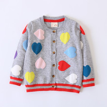 Новая детская одежда сердце любовь Детские Кардиган для девочек Карамельный цвет вязаный свитер Дети Демисезонный хлопковая верхняя одежда пальто