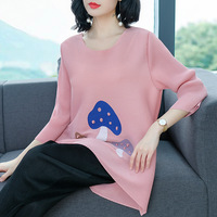 T Shirt plus size Tops Korean printing tshirt women O neck 3/4 sleeve Loose Beading Fashion Miyake Pleats women weight 45 75kg
