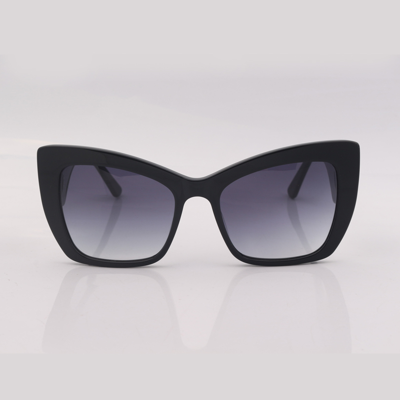 Black cat eye frame fashion women sunglasses with a red heart on the leg