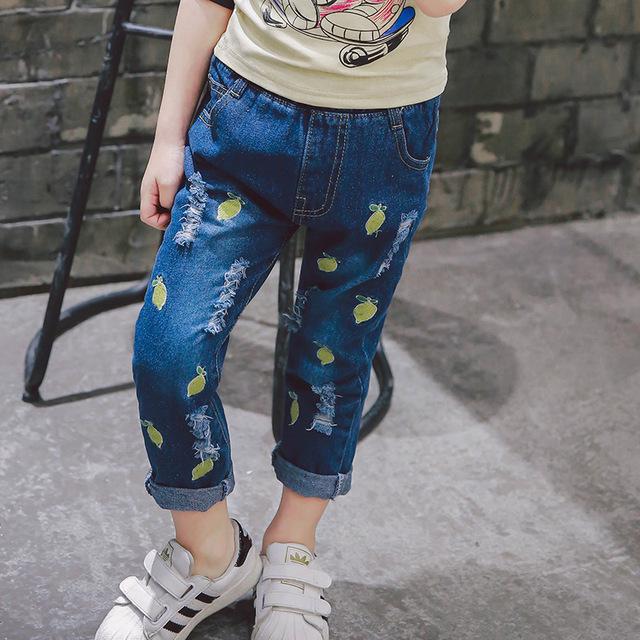 Pantalones vaqueros de las muchachas 2017 del otoño del resorte de alta calidad bordado lemon ripped jeans denim casual pantalones del cabrito de los niños ropa nave de la gota