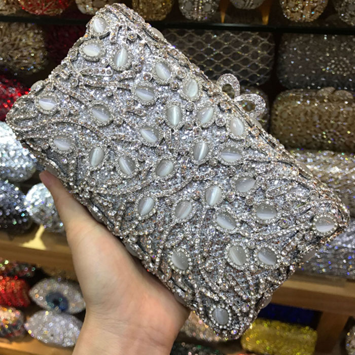 gold Crystal Chains shoulder bags Women Evening Bag Box Clutch Hollow Out Bridal Mini Metal Handbag and Purse Bolsos De Mano 2017 120cm diy metal purse chain strap handle bag accessories shoulder crossbody bag handbag replacement fashion long chains new