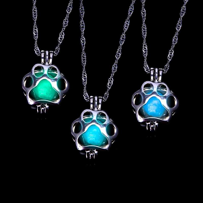 Glow in the Dark Luminous Wolf Dog Paw Necklace Animal Footprint Pet Jewelry