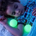 Envío Libre 1 Piece Glo Bendición Estilo Muebles Cambiante Luz de La Noche Que Brilla Intensamente de Color Glo Lámpara de Bolas