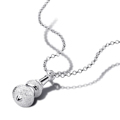 New fashion 925 sterling silver necklace. Personality is solid silver <font><b>hoist</b></font> pendants. Women clavicle short <font><b>chain</b></font>. Silver jewelry