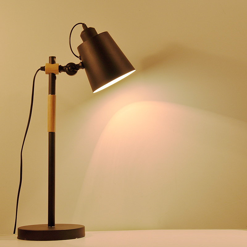 The Study Desk Lamp Creative Nordic Loft Contracted Personality American Reading Log Wood Art Bedroom Table Lamp
