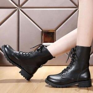 Image 3 - Mắt Cá Chân Giày Cho Nữ Màu Đen Size Lớn 4.5 10 Xe Máy Tăng Da Thời Trang Giày Cao Su Nữ Spring Gothic giày