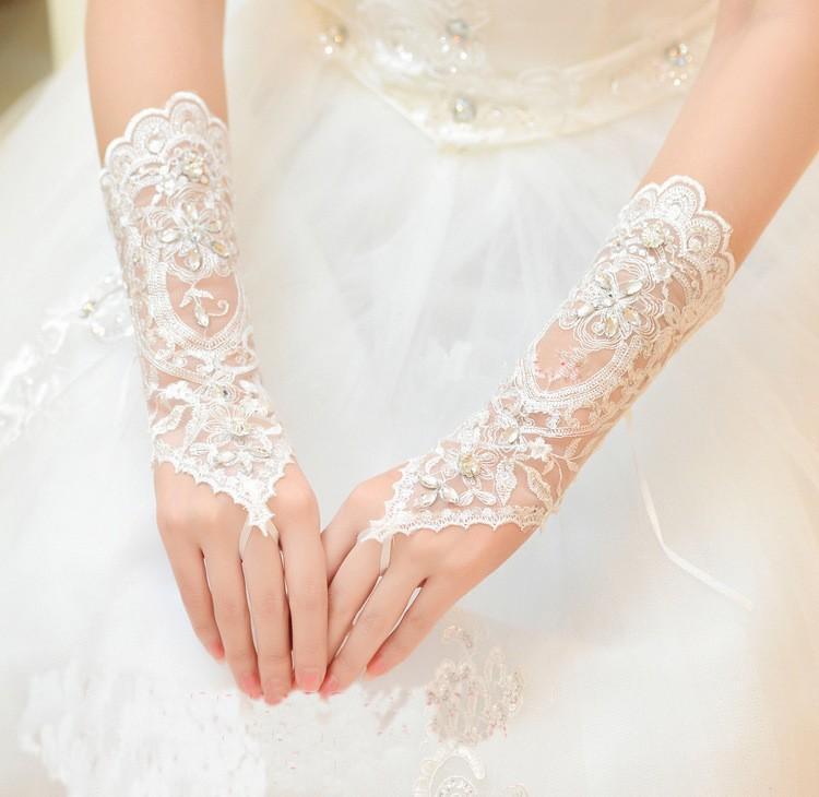 2017 Hot Cheap White Ivory Fingerless Rhinestone Lace Sequins Short Bridal Wedding Gloves Wedding Accessories 4