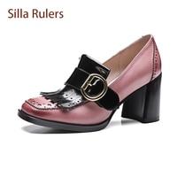 Silla Gobernantes Británicos Estilo Retro Mujer Primavera Zapatos Genuinos Borla de Cuero Hueco Bombas Hebilla Del Cuero Genuino de Señora de La Oficina