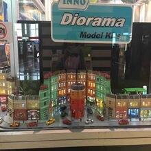 Alta simulação 1:64 rmz cidade diorama modelo de educação, kits de construção, brinquedo, diy, casa europeia, diecast, carros de metal para crianças, presentes