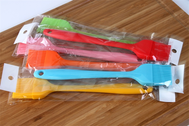 Small Size Silicone Oil Brush High Temperature Resistant Barbecue Seasoning Brush Multicolor DIY Cake BBQ Tool