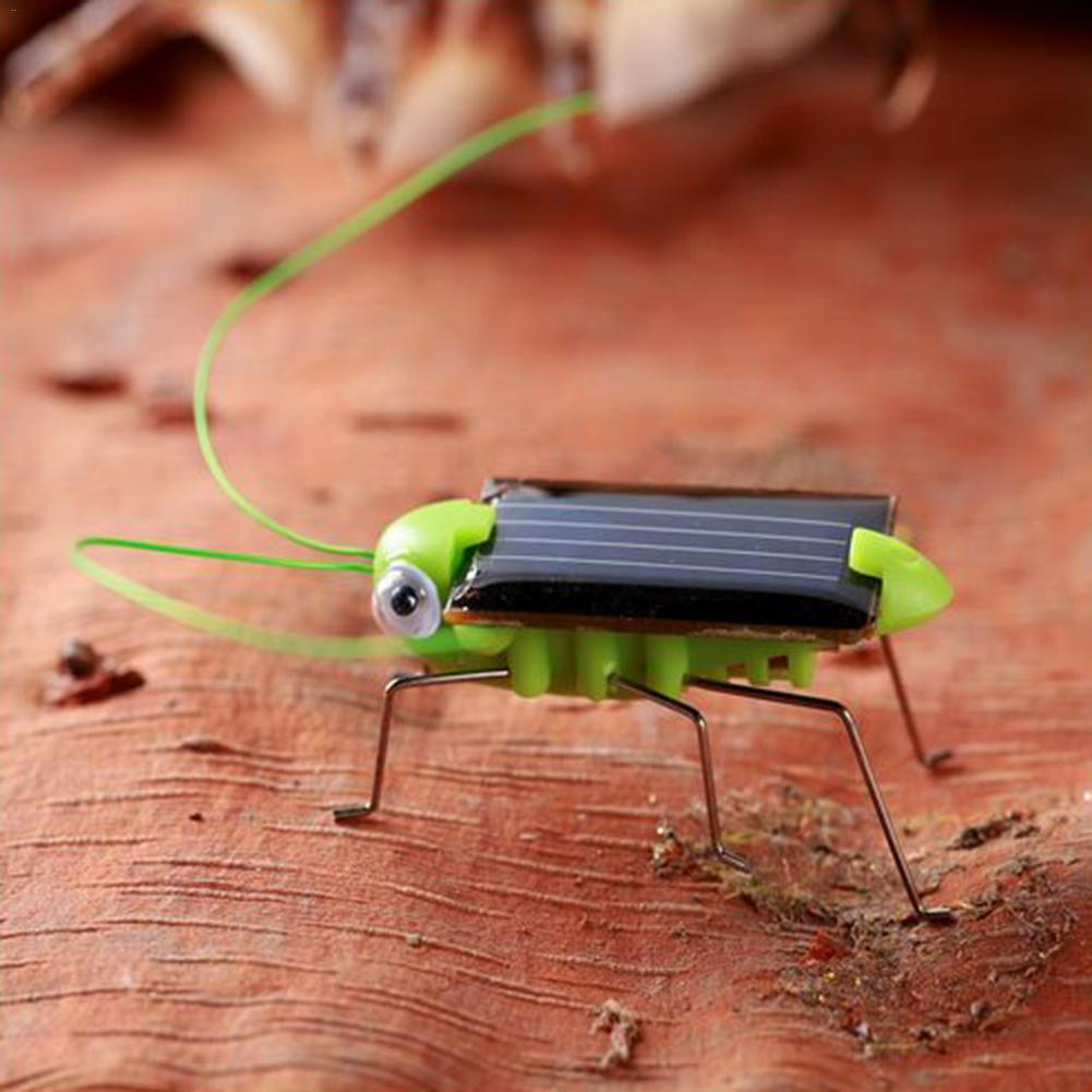 Kids Solar Energy Toys Power Robot Bug Grasshopper Cartoon Crazy Cockroach Car Model Educational Gadget Toy For Children