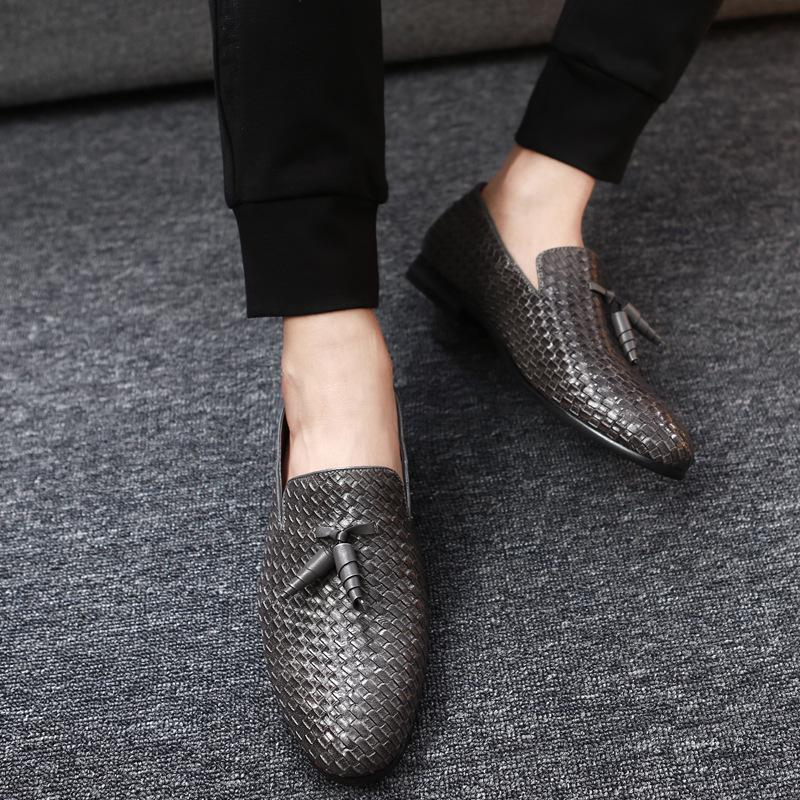 New Leather Casual Shoes Men Fashion British Style Loafers Men Low Heel Flats Men Driving Slip On Shoes Zapatillas Homme