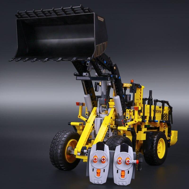 DHL รถ Technic 20006 42030 L350F ล้อ loader Building Blocks อิฐประกอบชุดเด็กของเล่นคริสต์มาสของขวัญ-ใน บล็อก จาก ของเล่นและงานอดิเรก บน   3