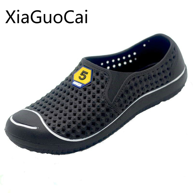 New Plastic Mens Beach Shoes Non-slip Breathable Men's Summer Sandals Baotou Hollow Lightweight Male Sandals