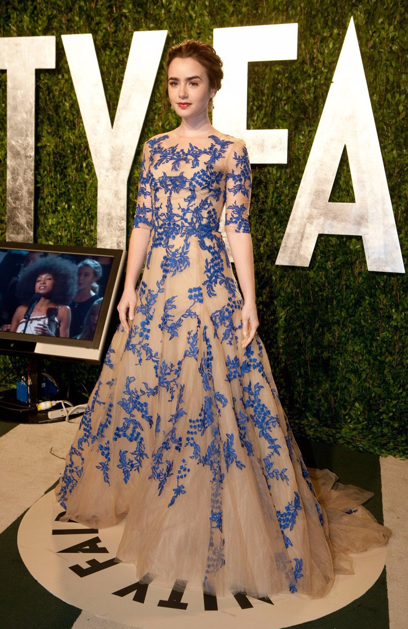 2015 Hot Lily Collins Oscar Party Formal Evening Dresses Gorgeous Lace Celebrity Inspired Designer Gowns Half Sleeves