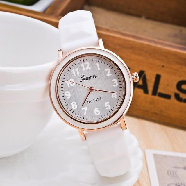 2018 New Fashion Women Top Brand Silicone Analog Quartz Round Wrist Watches relo