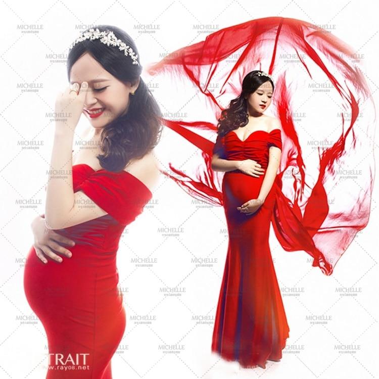 Nya moderskap gravida kvinnor fotbollsrödor röda sexiga eleganta romantiska klänningar ädla foto skjuter kostym personliga baby shower