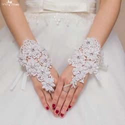 Lzp070 Новый Дизайн жемчужинами и Хрустальный цветок Кружево Свадебные перчатки свадебные Прихватки для мангала