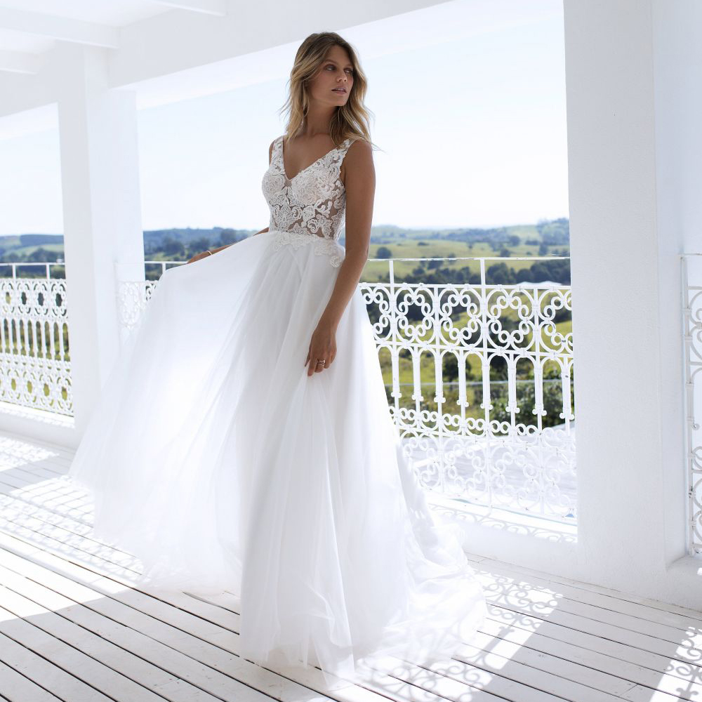 Elegant White Ivory Tulle Wedding Dresses 2019 Double V neck Sleeveless A line Bridal Dress Robe