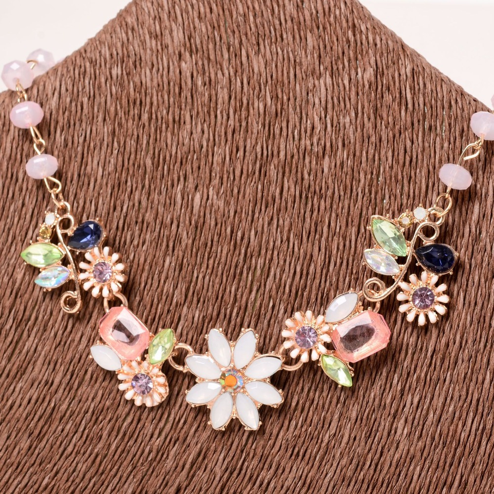 Women 39 s Jewelry Peach Necklace Pink Beads Small Fresh Flower Necklace Colored Rhinestone Beads in Choker Necklaces from Jewelry amp Accessories