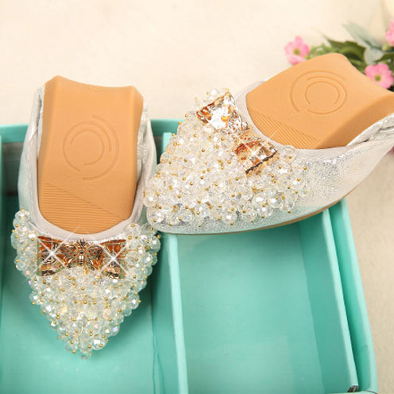 Wexnbry Plus Size Designer Crystal Woman Flat Shoes Elegant Comfortable  Lady Fashion Rhinestone Women Soft Bees Shoes 2018-in Women s Flats from  Shoes on ... dc281ca70dc4