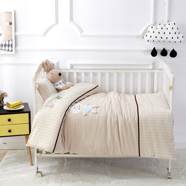 low priced e4f3f 90bf6 US $44.2 35% OFF|Solid Color Bear Pattern 7 Pcs Baby Bedding Set Toddler  Crib Bedclothes Baby Cot Safe Sheet Quilt Pillow Cushion Cover 6 Size -in  ...