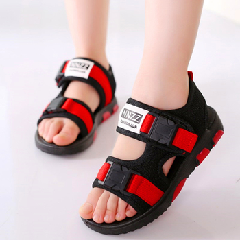 Sandales garçon été nouvelle mode garçon étudiant enfant Slip fond souple enfant bout ouvert sandales version coréenne de la marée chaussures de plage