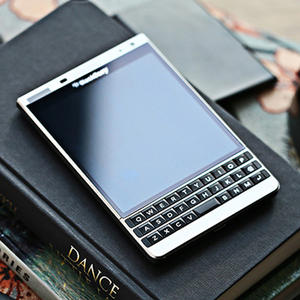 Blackberry Q30 Passport Silver-Edition 32GB 3gb GSM/WCDMA Nfc Qwerty Keyboard Quad Core