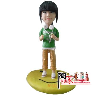 2019 Nový příjezd Real Ne Brinquedos Anime Minions Vlastní figurka Svatební narozeninový dárek Nevěsta a ženich Přizpůsobený dort Topper