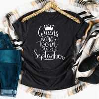 Camiseta de Queens are born in seek para mujer, regalo especial de cumpleaños personalizado, camiseta con eslogan de moda con gráfico de corona grunge, camiseta tumblr