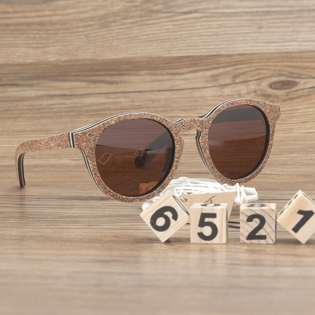 Gafas de sol mujeres en madera retro 1