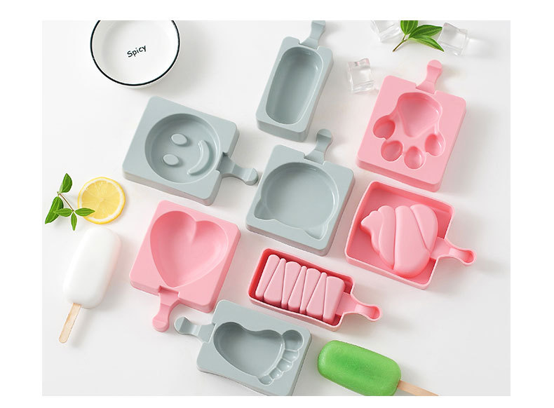 Ice Mould with Popsicle Sticks Lid Kitchen Tool DIY Silicone Cream Mold Molds Maker Holder Frozen