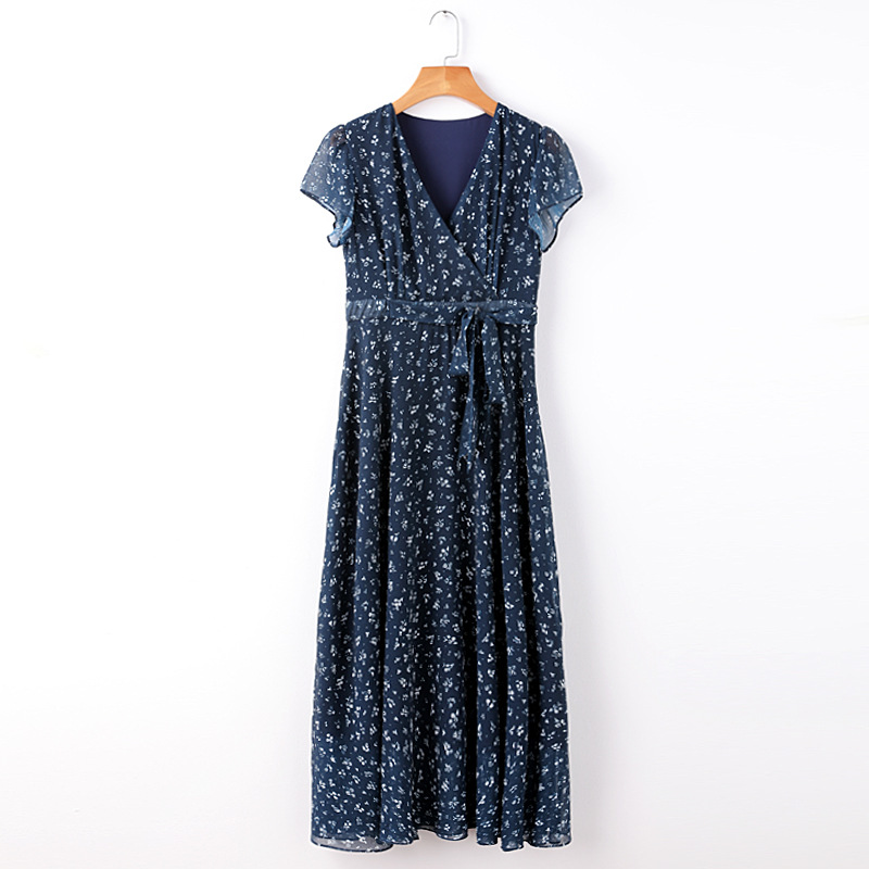3fdafe5bfb Ladies and girls blue and white small floral pastoral long chiffon V-neck  dress