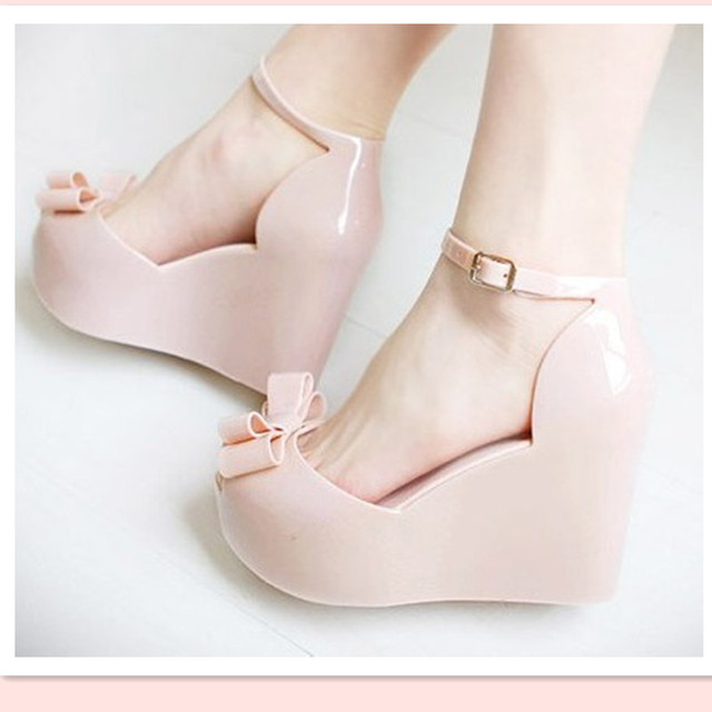 Cunhas sandálias femininas 2017 sapatos cor de geléia arco plataforma do dedo do pé aberto altos-sapatos de salto alto
