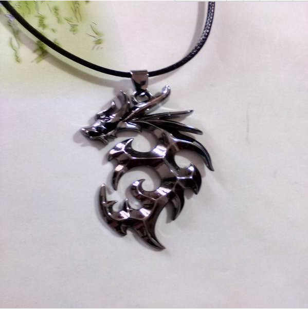 916 gorąca sprzedaż nowy koreański dominujący płomień smoka mężczyźni naszyjnik tytanu stali nierdzewnej skórzany sznurkowy naszyjnik-obroża N4181