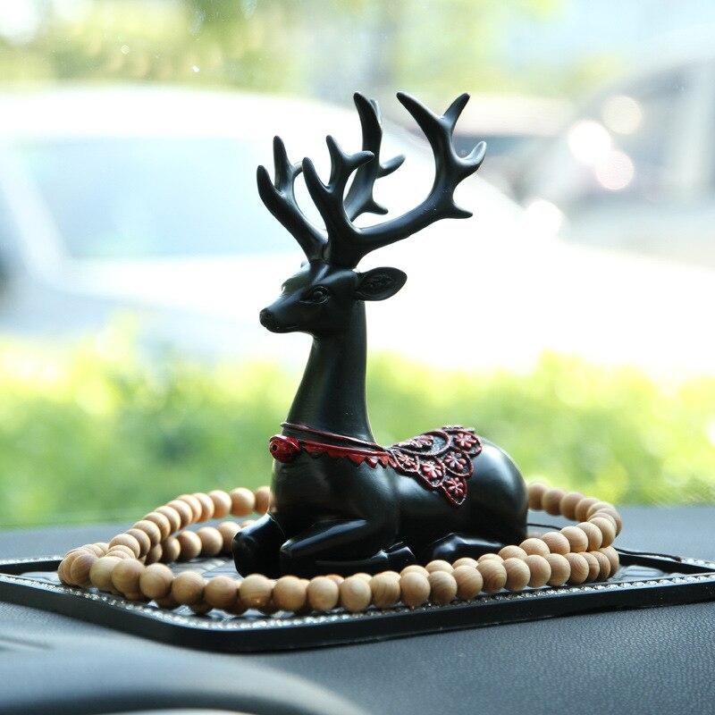 Car Cartoon Lovely Deer Model Christmas Resin Ornament Magnet Auto Interior Dashboard Decoration