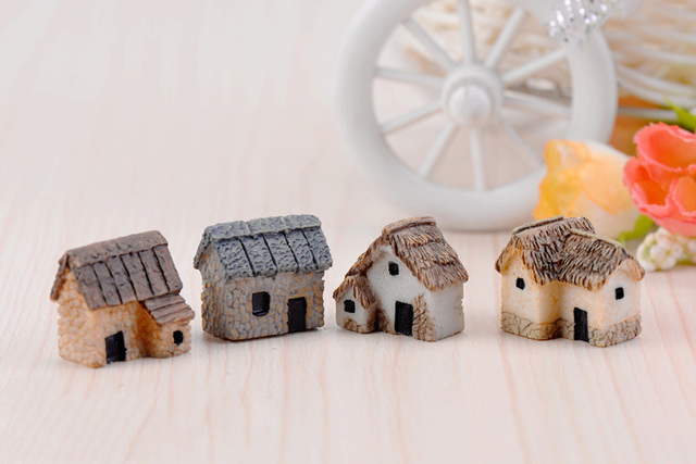 House Figurine resin craft home decor miniature fairy garden Car decoration accessories modern Cartoon Animal Building statue 4